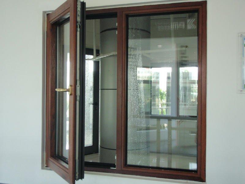 Produzione infissi alluminio palermo nc porte e finestre for Infissi balcone